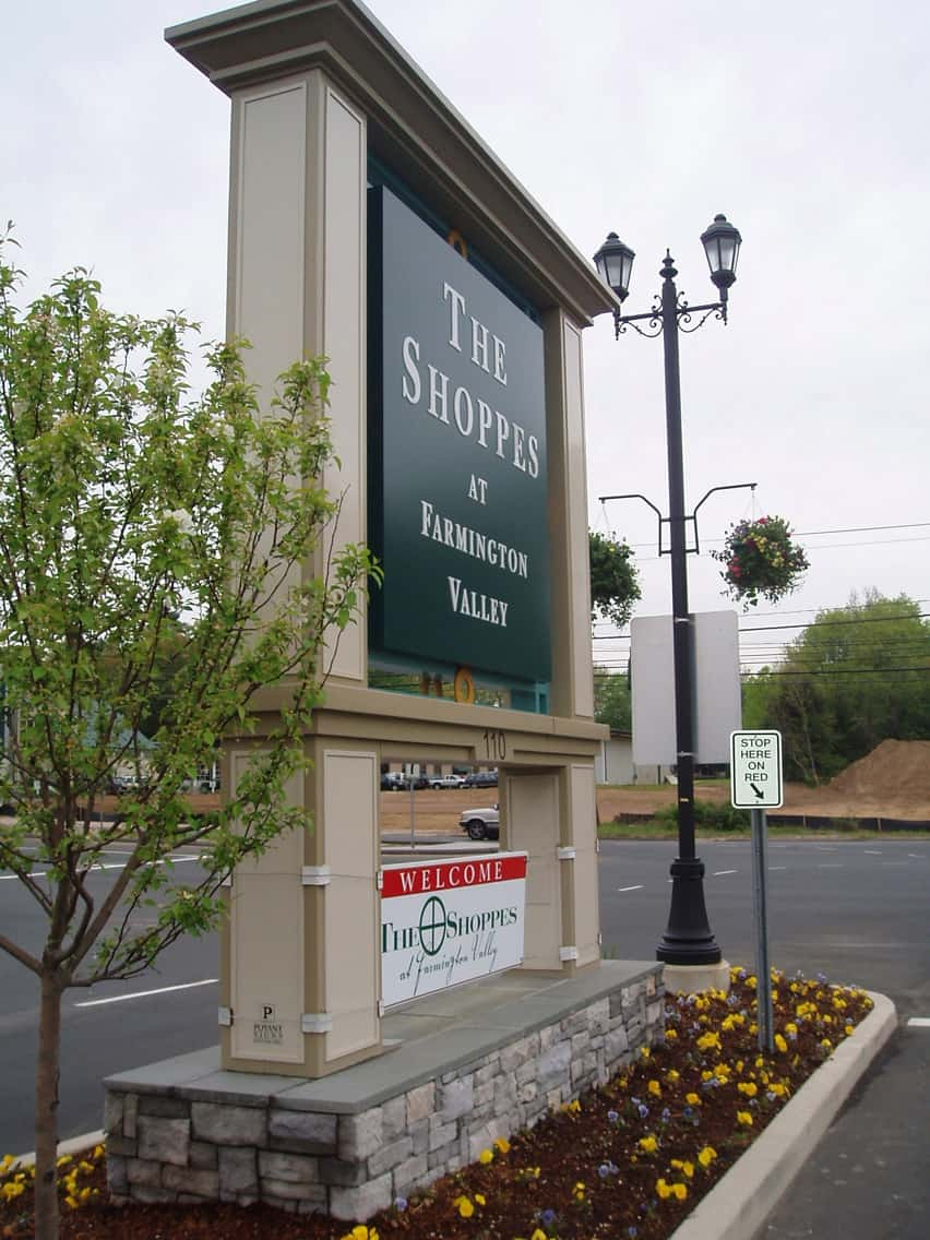 The Shoppes at Farmington 2