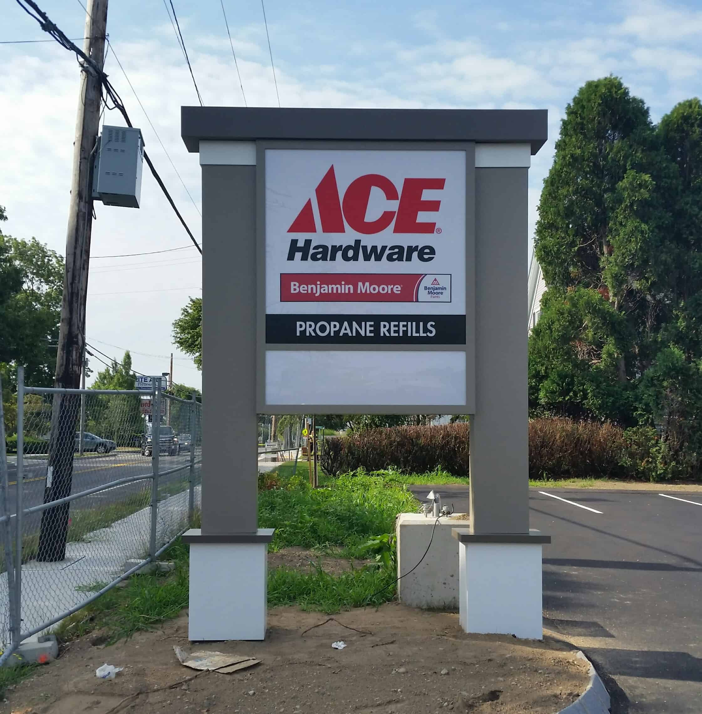 Ace Hardware Pylon Sign