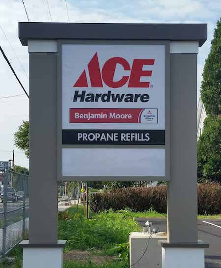 Pylon Sign for ACE Hardware